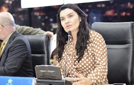 IVereadora Eliene Soares propõe programa de equoterapia e serviço 'Bom Prato' para comunidade