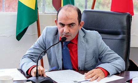 IVereador Ivanaldo Braz propõe construção de praça pública na Estrada Faruk Salmen