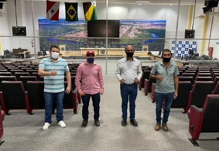 IPresidente Braz, da Câmara de Parauapebas, recebe vereadores de Canaã dos Carajás